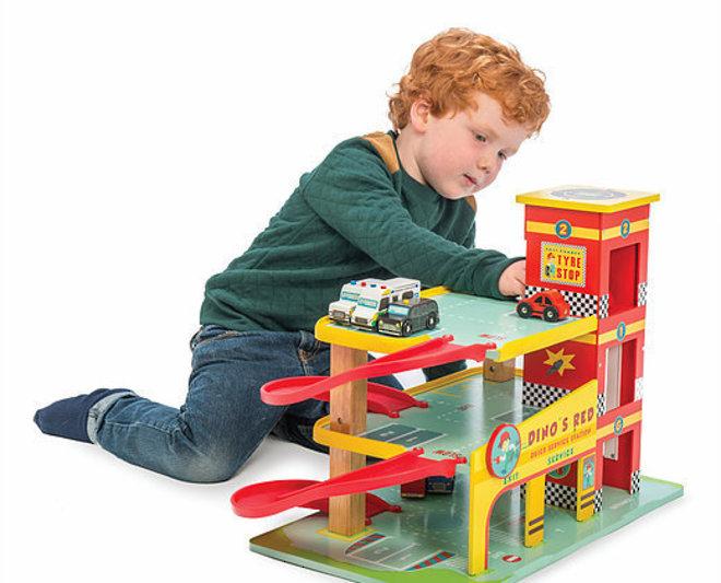 Le Toy Van Dino's Red Garage image 2