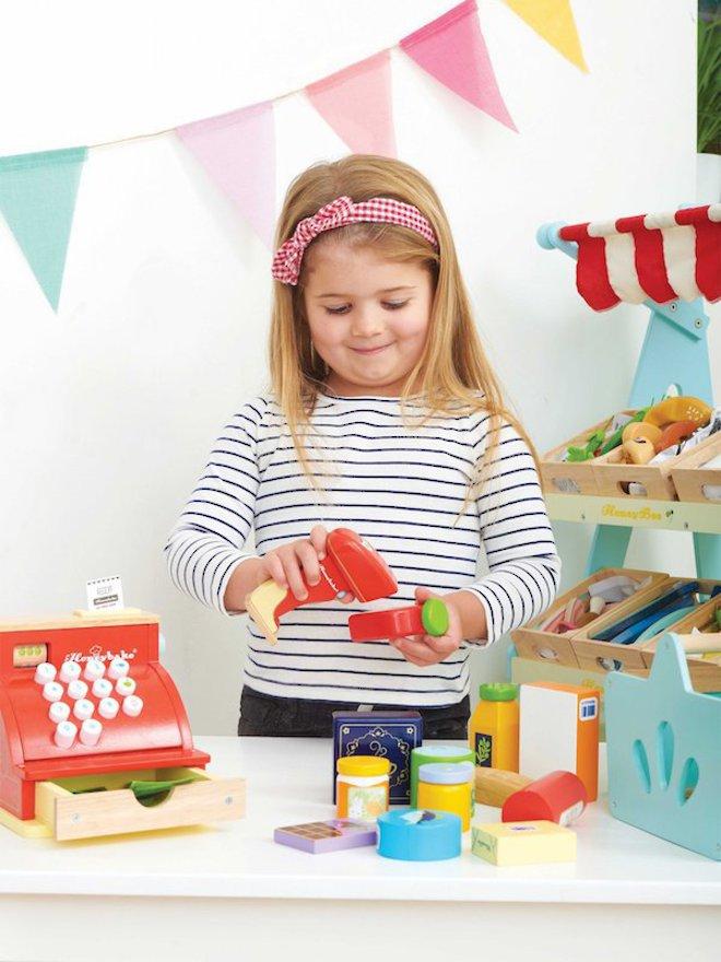 Le Toy Van Grocery Set & Scanner image 3
