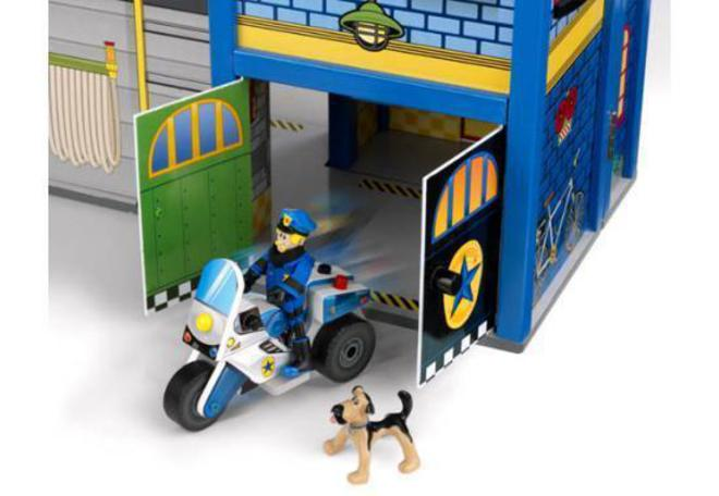 Kidkraft Everyday Heroes Wooden Play set - In storage until Level 4 is lifted - Pre-Orders accepted now image 6