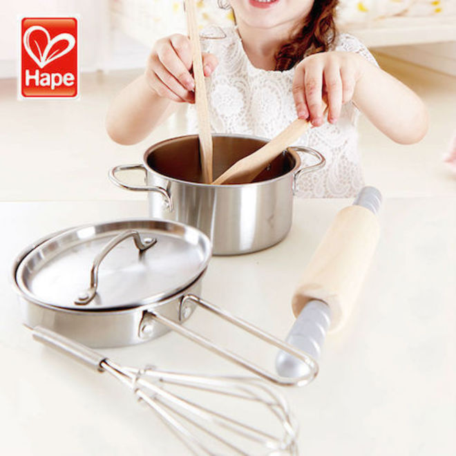 Hape Chef's Cooking Set image 2