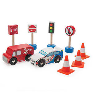 Le Toy Van Road set 'Route & Toot'